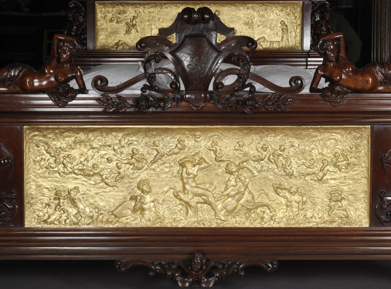 19th Century Exhibition Austrian Neo-Baroque Carved Mahogany Bed, circa 1890 For Sale
