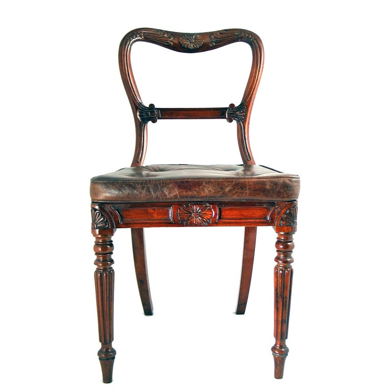 Carved Set of 18 Red Walnut Dining Chairs Attributed to Gillows, circa 1830 For Sale