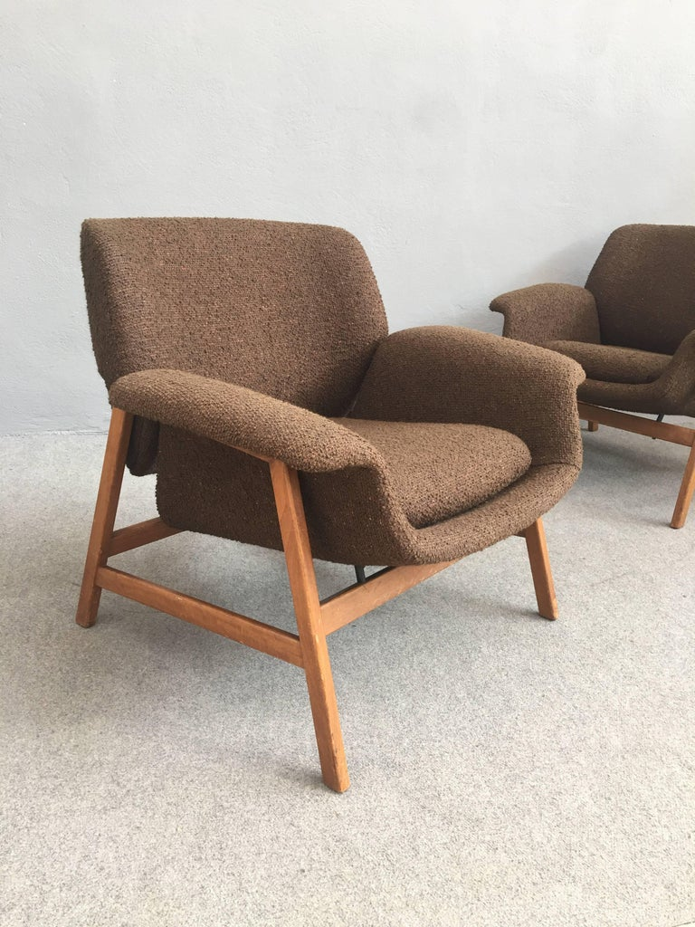 Iconic pair of 849 chairs designed by Gianfranco Frattini for Cassina in 1956. Compasso d'oro winner in 1956.