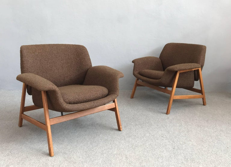 Iconic Pair of Armchairs 849 by Gianfranco Frattini for Cassina For Sale 1