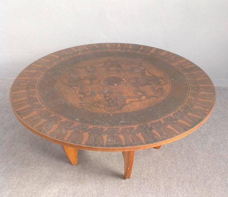Mid-Century Modern Round Copper Leaf Coffee Table For Sale
