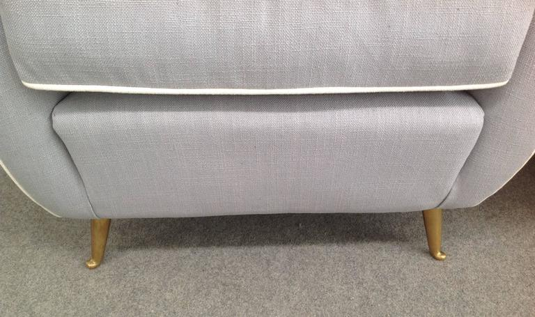 Mid-Century Modern Charming Pair of Armchairs Gio Ponti Style For Sale