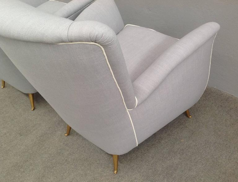 Charming Pair of Armchairs Gio Ponti Style For Sale 1