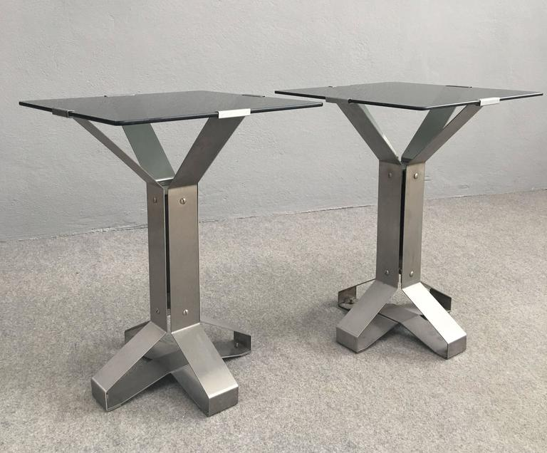 Pair of Chrome and Glass Coffee Tables In Excellent Condition For Sale In Carpaneto Piacentino, Italy