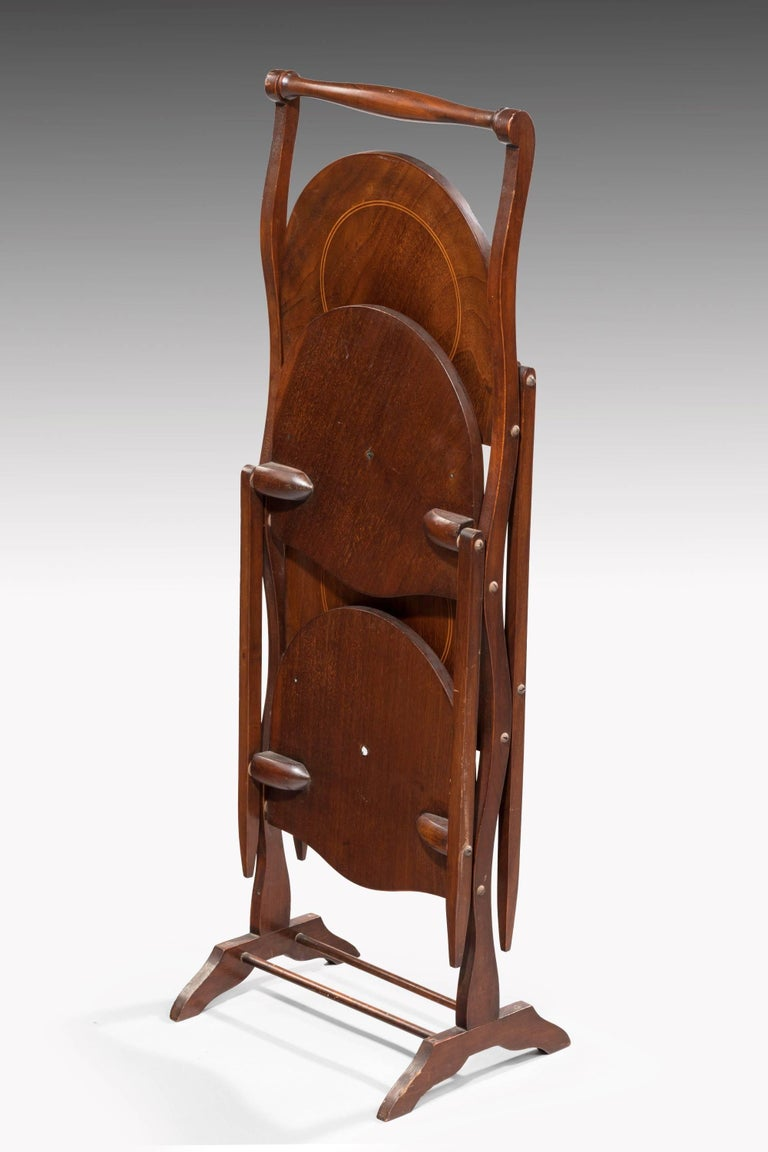 Late 19th Century Two-Sided Mahogany Folding Cake Stand In Excellent Condition For Sale In Peterborough, Northamptonshire