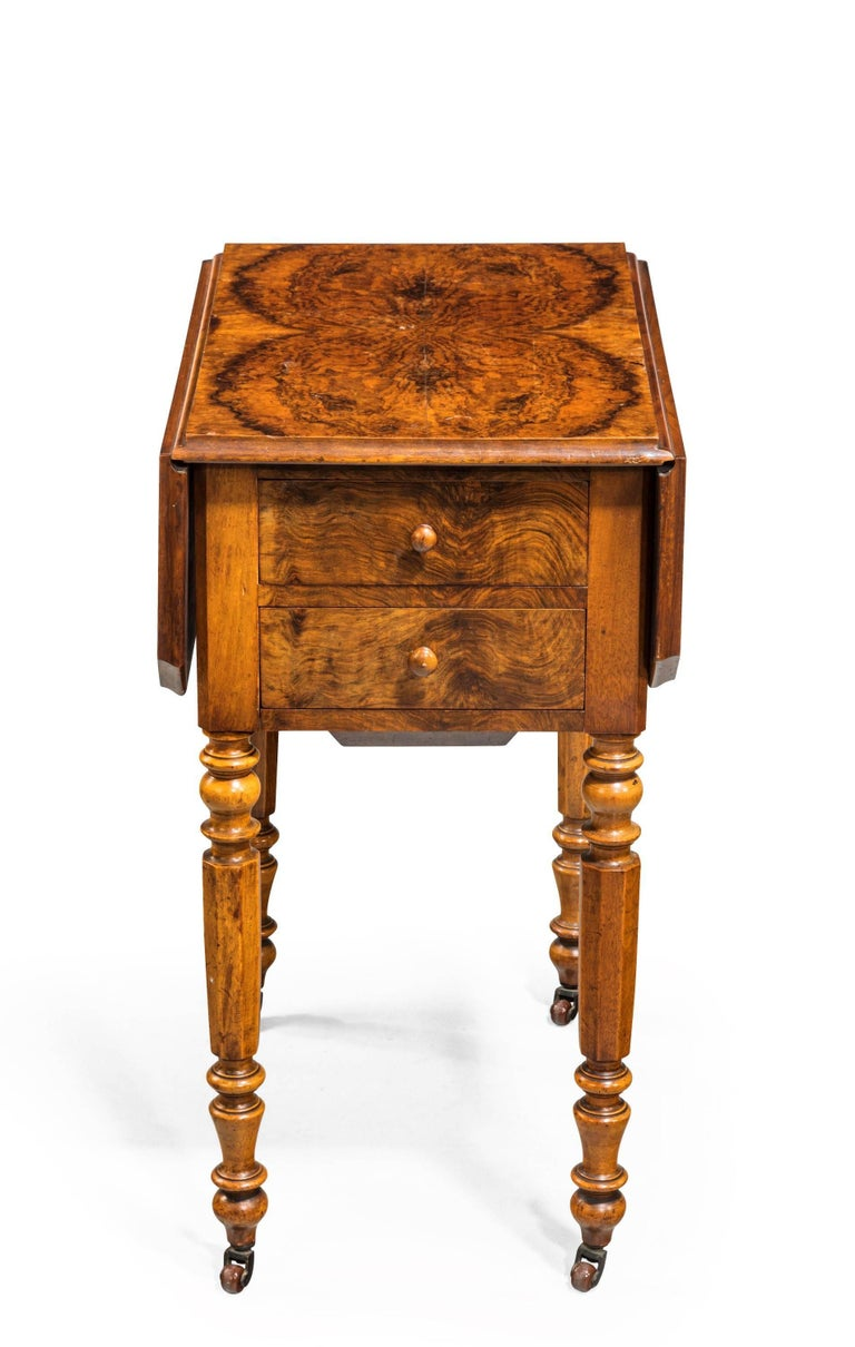 early 19th century small walnut pembroke work table for sale at 1stdibs. Black Bedroom Furniture Sets. Home Design Ideas