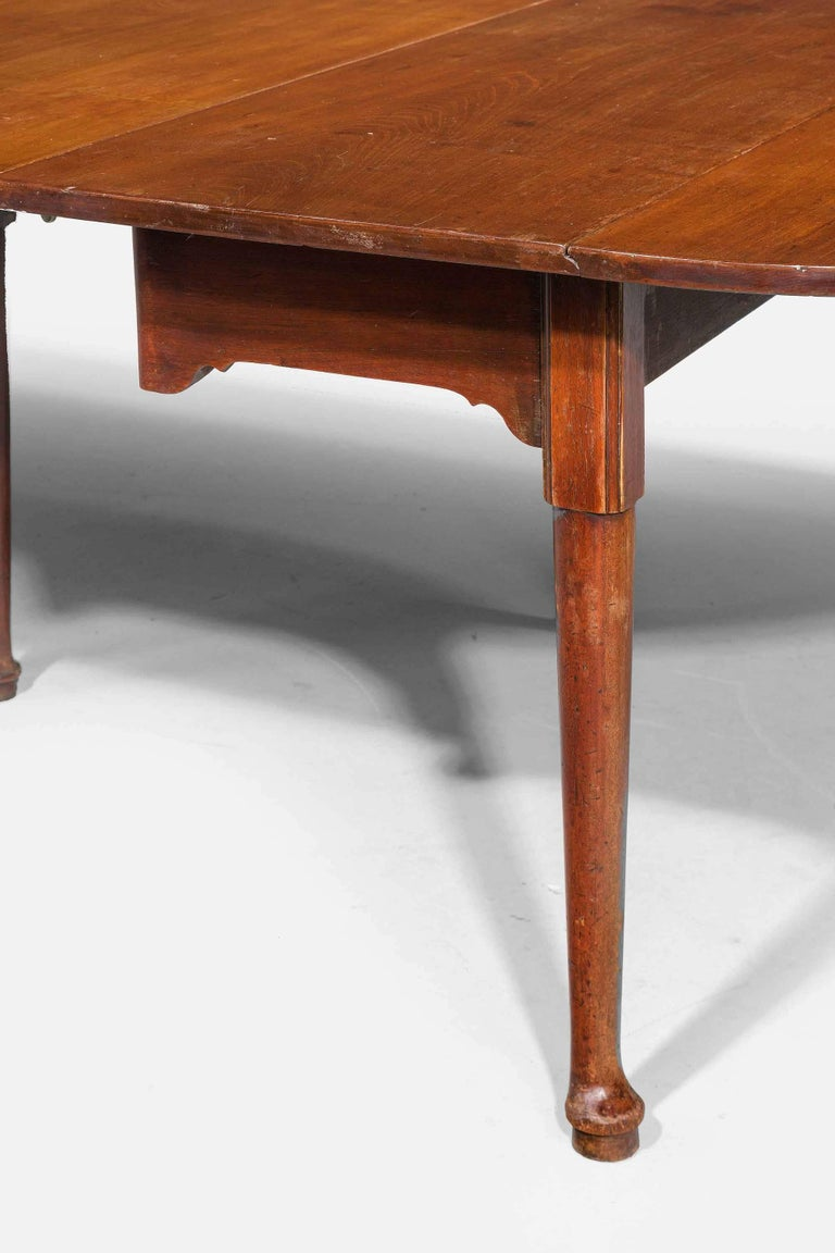 English Early George III Period Mahogany Dining Table For Sale