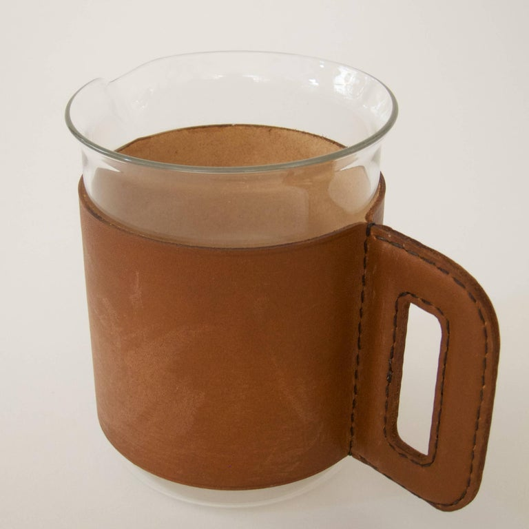 Pitcher with Four Glasses and a Bamboo Muddler In Excellent Condition For Sale In Vienna, AT