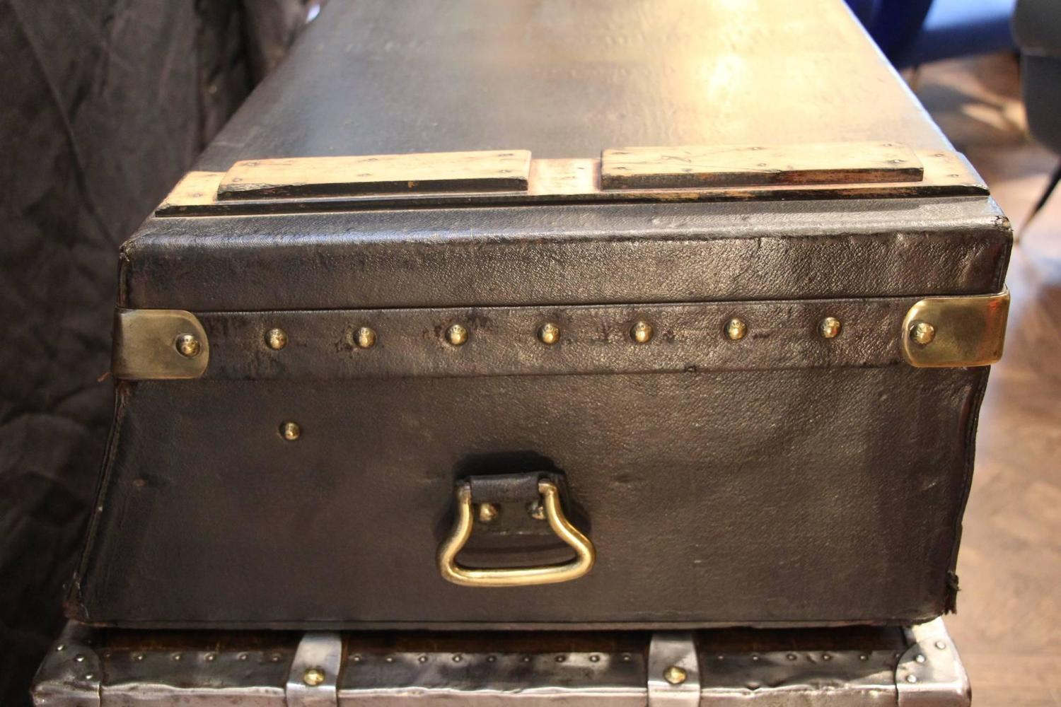 1920s louis vuitton auto trunk for sale at 1stdibs. Black Bedroom Furniture Sets. Home Design Ideas
