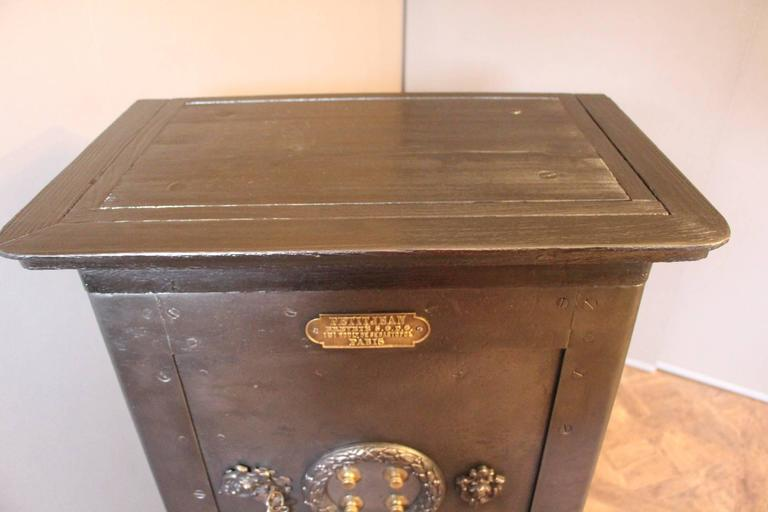 Black Steel, Iron and Wood Safe with All Keys and Working Combination by Petitje For Sale 4
