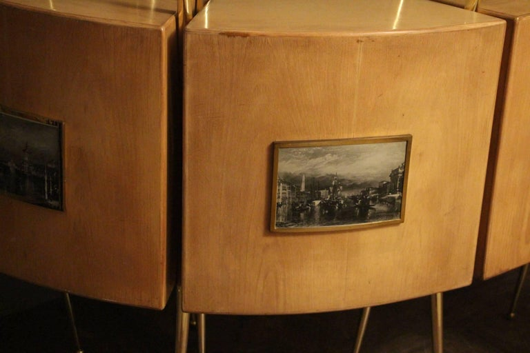 Midcentury Italian Dry Bar Cabinet in the Style of Gio Ponti in Maple In Excellent Condition For Sale In Saint-Ouen, FR