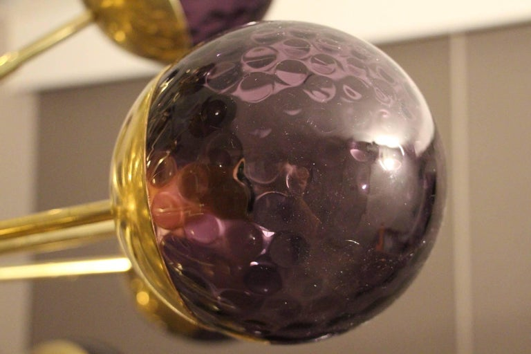 Midcentury Style Italian Sputnik Brass and Purple Murano Chandelier In Excellent Condition For Sale In Saint-Ouen, FR