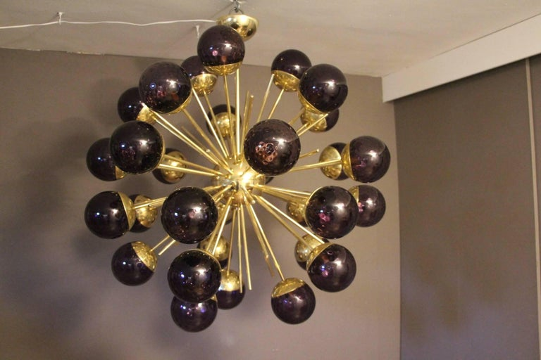 Midcentury Style Italian Sputnik Brass and Purple Murano Chandelier For Sale 2