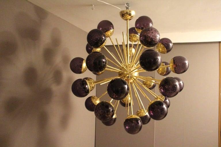 Midcentury Style Italian Sputnik Brass and Purple Murano Chandelier For Sale 1