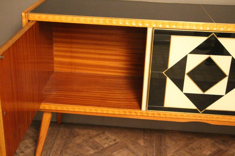 Italian Black and White Sideboard or Credenza in Murano Glass and Brass Inlay For Sale 4