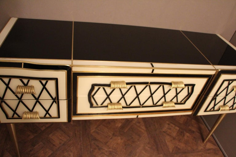 Mid-Century Modern Italian Black and White Sideboard or Credenza in Murano Glass and Brass Inlay For Sale