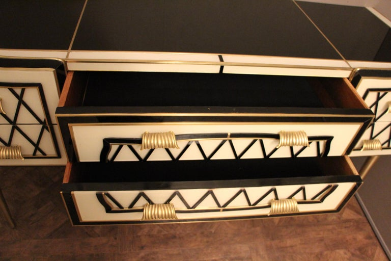 Italian Black and White Sideboard or Credenza in Murano Glass and Brass Inlay For Sale 1