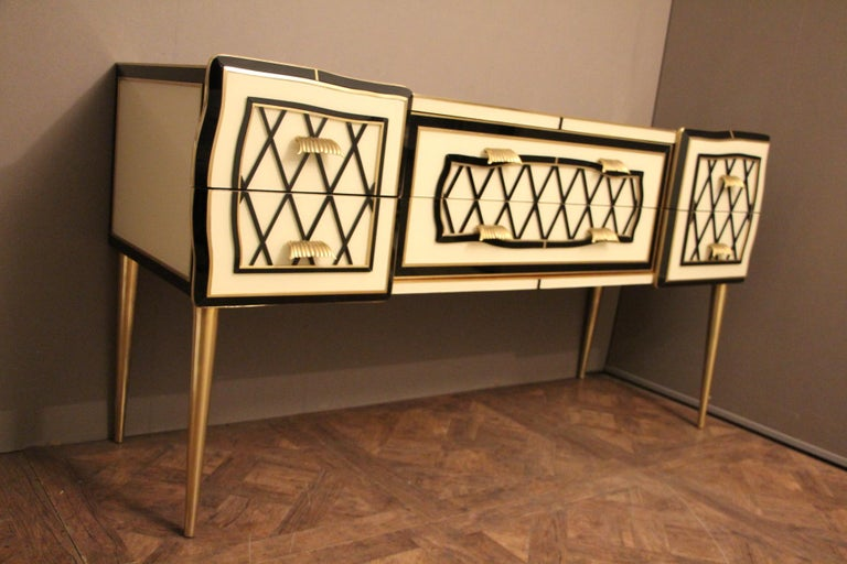 Italian Black and White Sideboard or Credenza in Murano Glass and Brass Inlay For Sale 2