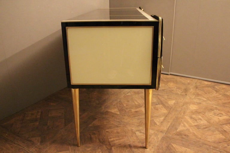 Italian Black and White Sideboard or Credenza in Murano Glass and Brass Inlay For Sale 3