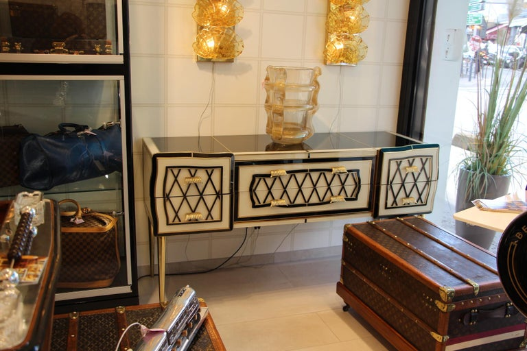 Italian Black and White Sideboard or Credenza in Murano Glass and Brass Inlay For Sale 9