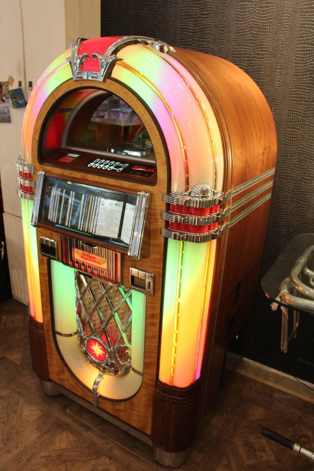 Antique Apparatus Cd Jukebox For Sale At 1stdibs