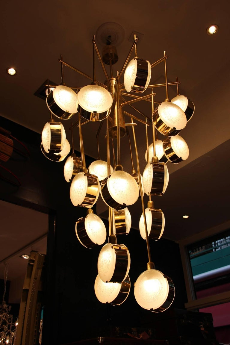 Late 20th Century Italian Mid-Century Modern Brass and Glass Long Chandelier For Sale