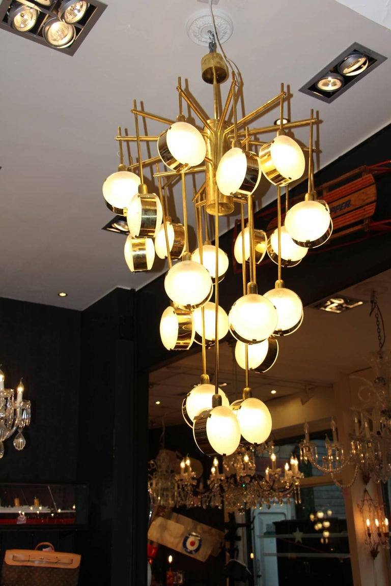 Italian Mid-Century Modern Brass and Glass Long Chandelier For Sale 2