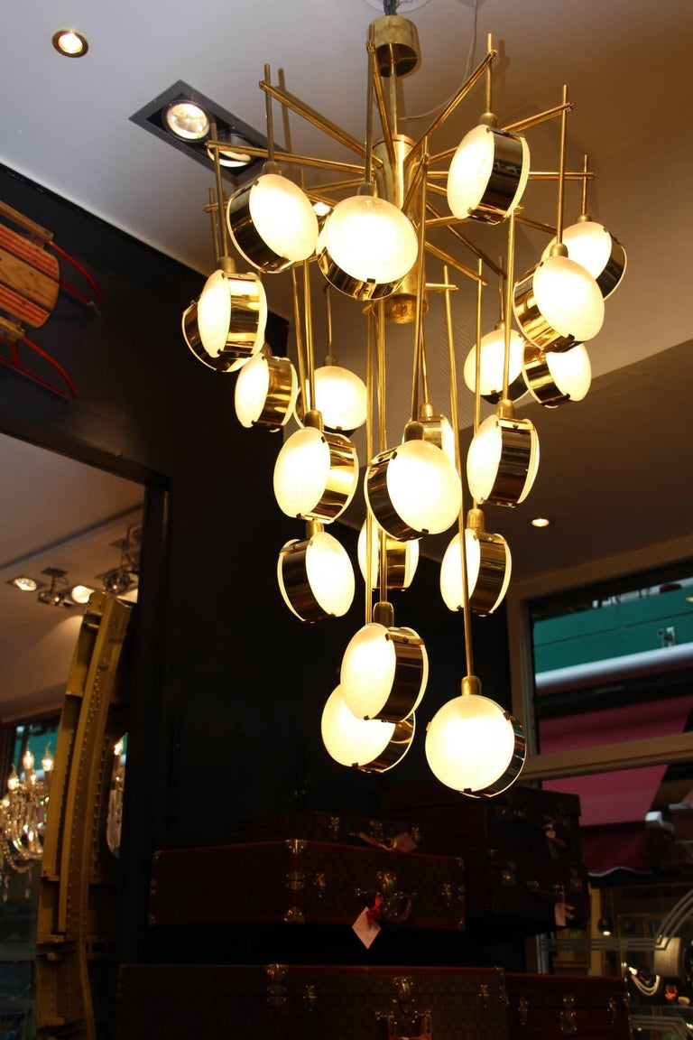 Italian Mid-Century Modern Brass and Glass Long Chandelier For Sale 5