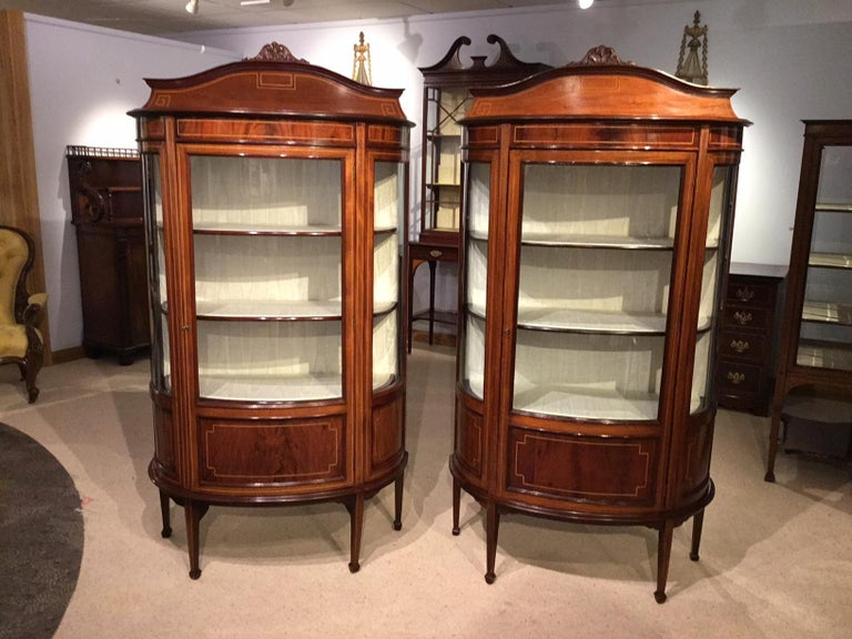 Fine Quality Pair of Mahogany Inlaid Edwardian Period Antique Display  Cabinets For Sale 5 - Fine Quality Pair Of Mahogany Inlaid Edwardian Period Antique