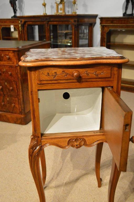 Walnut French Antique Bedside Cabinet In Excellent Condition For Sale In  Darwen, GB - Walnut French Antique Bedside Cabinet At 1stdibs