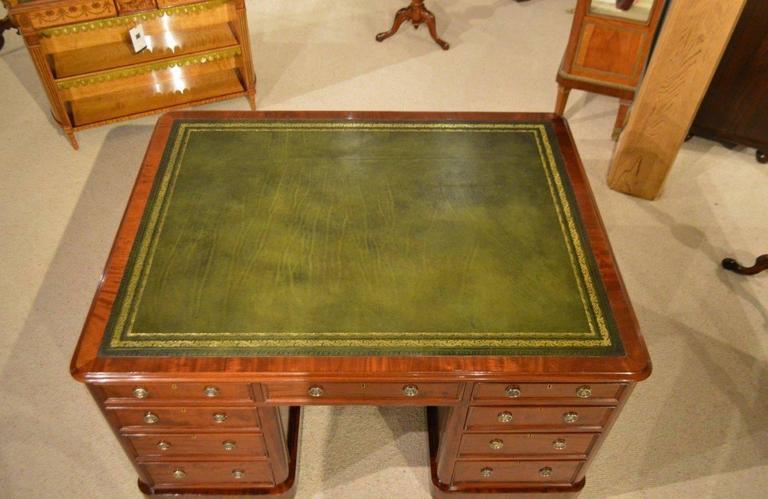 Beautiful Mahogany Victorian Period Antique Partners Desk For Sale 4 - Beautiful Mahogany Victorian Period Antique Partners Desk At 1stdibs