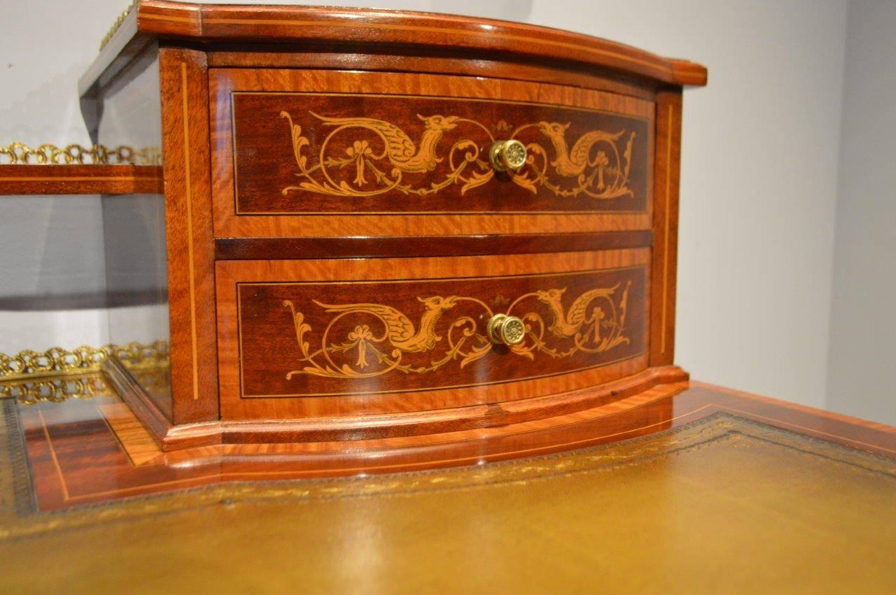 Stunning Quality Mahogany Inlaid Late Victorian Desk by
