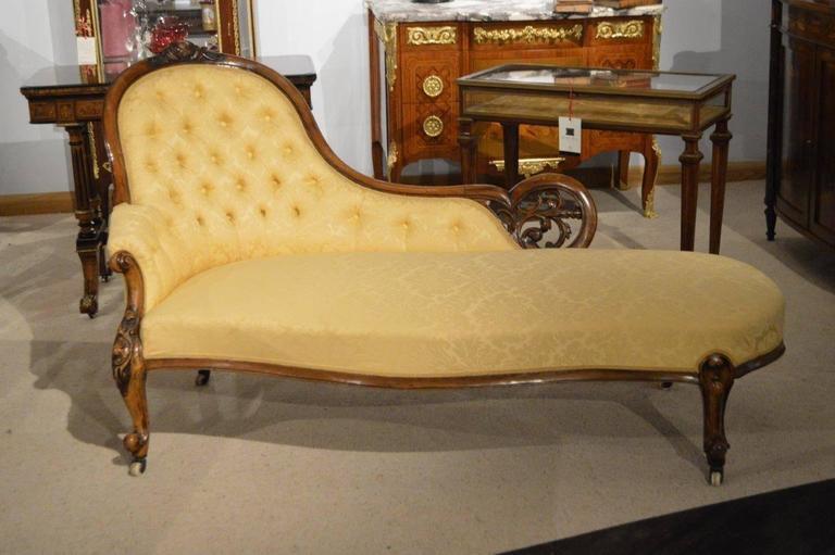Walnut victorian period antique chaise longue at 1stdibs for Antique victorian chaise longue