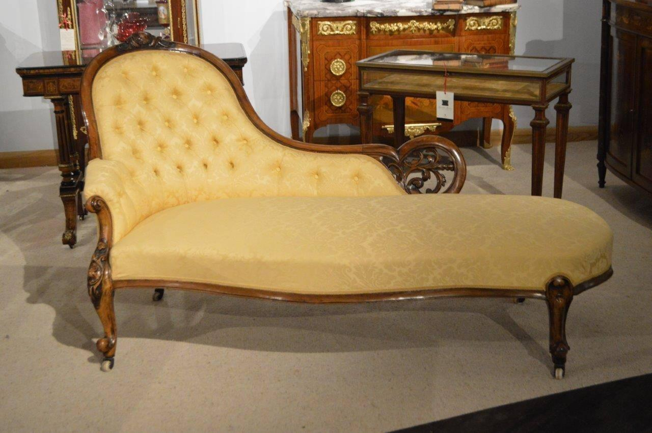 walnut victorian period antique chaise longue at 1stdibs. Black Bedroom Furniture Sets. Home Design Ideas