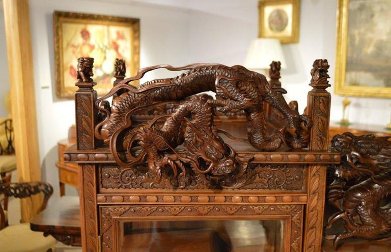 Gentil Carved Cabinet On Stand Japanese Meiji Period In Excellent Condition For  Sale In Darwen, GB