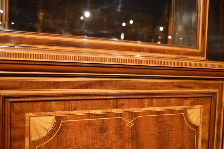Fine Quality Pair of Fiddleback Mahogany Edwardian Period Inlaid Cabinets 5