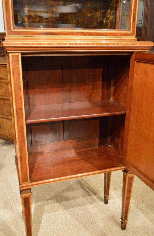 Fine Quality Pair of Fiddleback Mahogany Edwardian Period Inlaid Cabinets For Sale 2