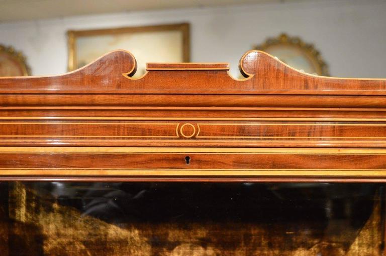 Fine Quality Pair of Fiddleback Mahogany Edwardian Period Inlaid Cabinets 7