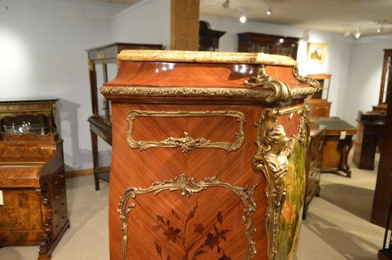 Early 20th Century Pair of Mahogany Ormolu-Mounted French Serpentine Cabinets with Vernis Martin For Sale