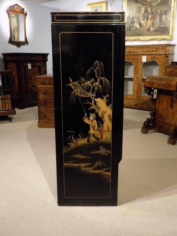 Striking Chinoiserie Lacquered Art Deco Period Cocktail Cabinet 4