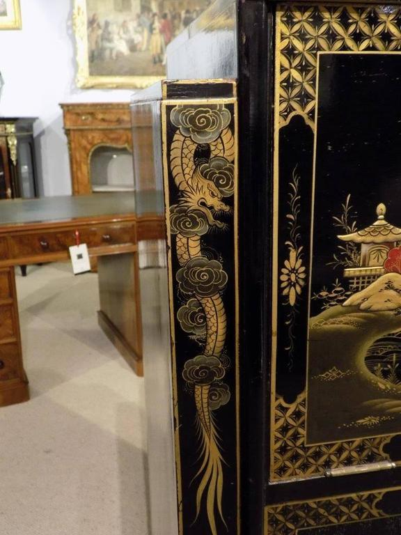 Striking Chinoiserie Lacquered Art Deco Period Cocktail Cabinet 8