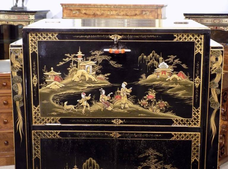 Striking Chinoiserie Lacquered Art Deco Period Cocktail Cabinet 9