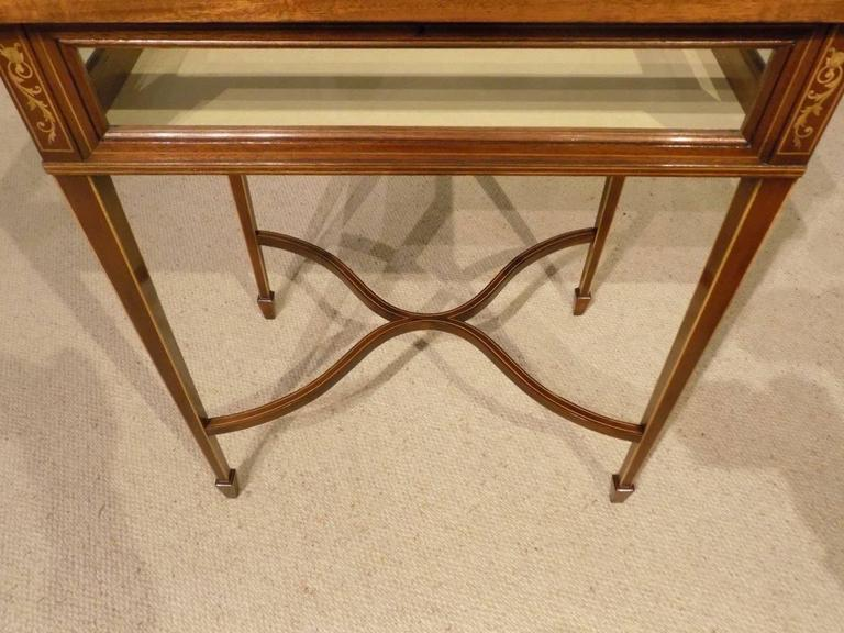 Beautiful Mahogany and Marquetry Inlaid Edwardian Antique Bijouterie Cabinet For Sale 4