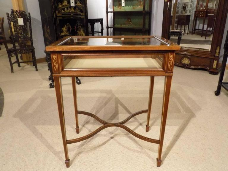 Beautiful Mahogany and Marquetry Inlaid Edwardian Antique Bijouterie Cabinet For Sale 6