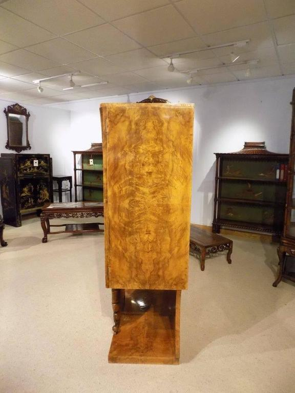 Quality Burr Walnut Art Deco Period Cocktail Cabinet by Hille & Co of London For Sale 3