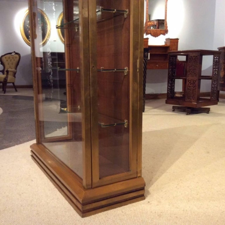 Fine Quality Art Deco Period Bronze Mounted Display Cabinet For Sale 6
