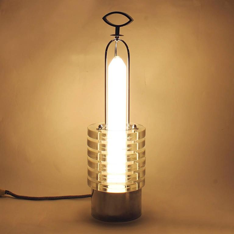 1930s Art Deco French Table Lamp, chromed metal, crystal cut-glass - France In Excellent Condition For Sale In Barcelona, ES