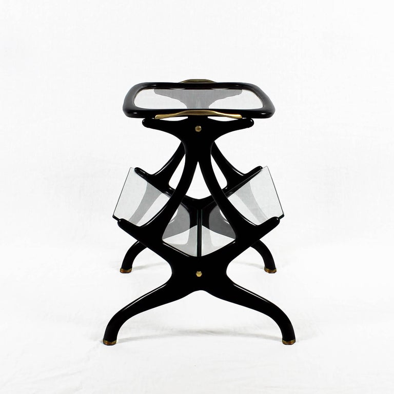 Polished 1950s Table Magazine Rack by Cesare Lacca, stained beech and glass. Italy For Sale