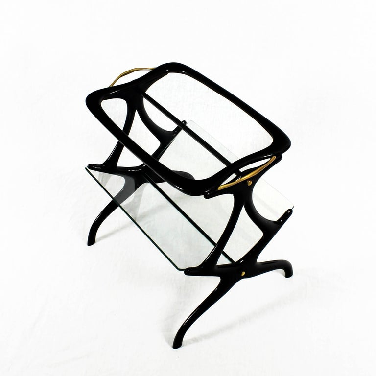 1950s Table Magazine Rack by Cesare Lacca, stained beech and glass. Italy In Good Condition For Sale In Barcelona, ES