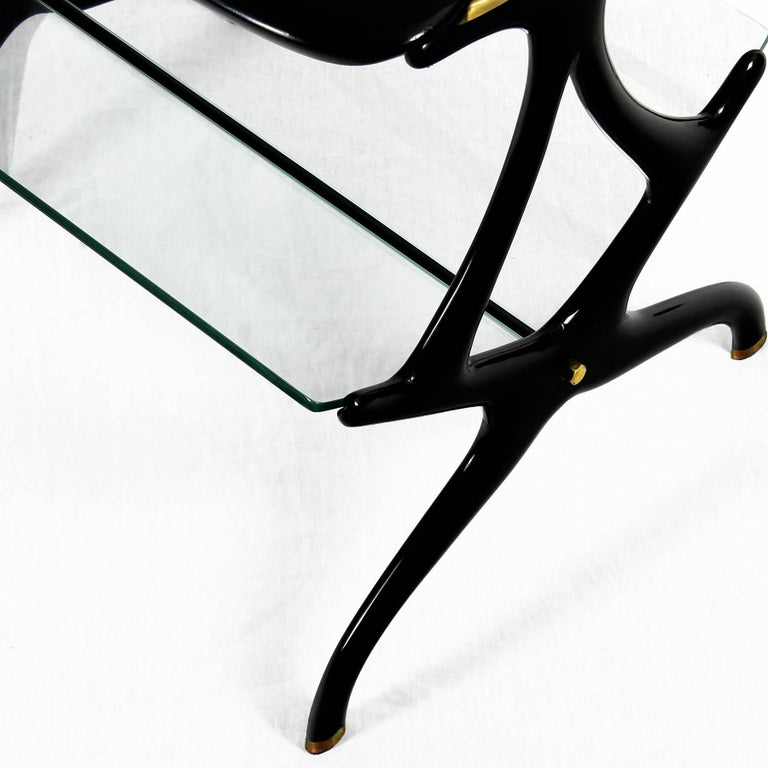 1950s Table Magazine Rack by Cesare Lacca, stained beech and glass. Italy For Sale 1
